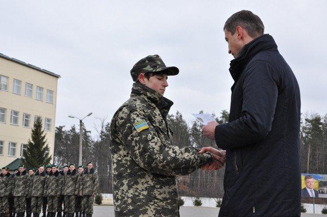 Понад півсотні одинадцятикласників із усієї Черкащини отримали відзнаки «Відмінник Захисту Вітчизни» (фото) - фото 10