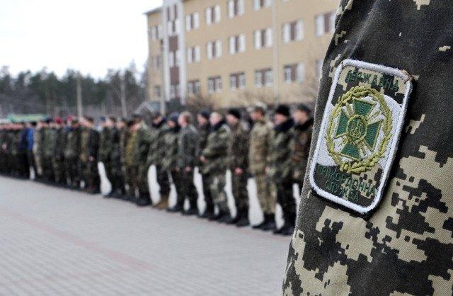 Понад півсотні одинадцятикласників із усієї Черкащини отримали відзнаки «Відмінник Захисту Вітчизни» (фото) - фото 1