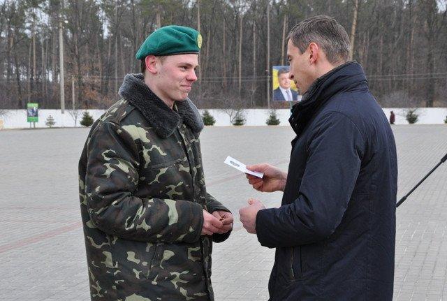 Понад півсотні одинадцятикласників із усієї Черкащини отримали відзнаки «Відмінник Захисту Вітчизни» (фото) - фото 8