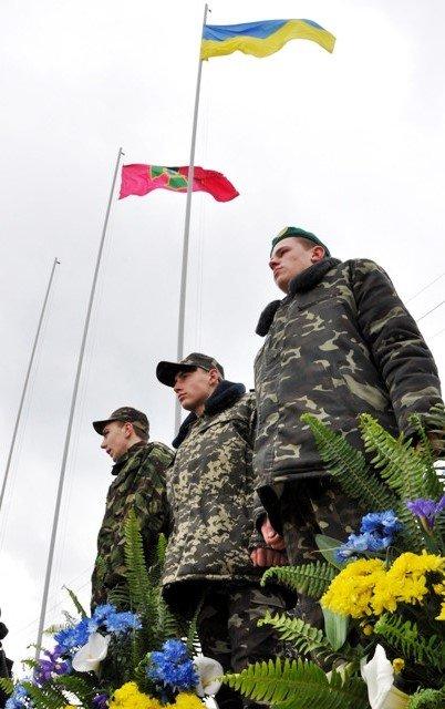 Понад півсотні одинадцятикласників із усієї Черкащини отримали відзнаки «Відмінник Захисту Вітчизни» (фото) - фото 5