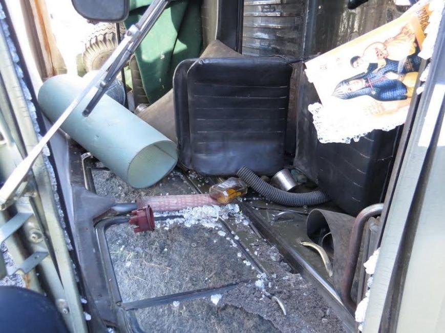 В Мариуполе военный, попавший в аварию на УАЗе, пустился в бега (фото) - фото 1