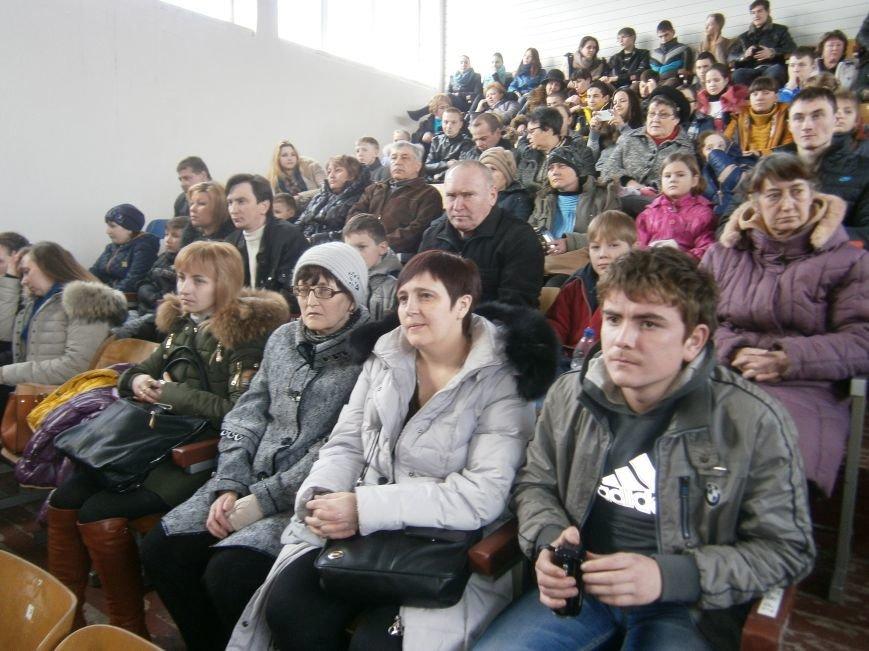 В Димитрове прошел концерт музыкальной школы в рамках благотворительной акции (ФОТО) (фото) - фото 2