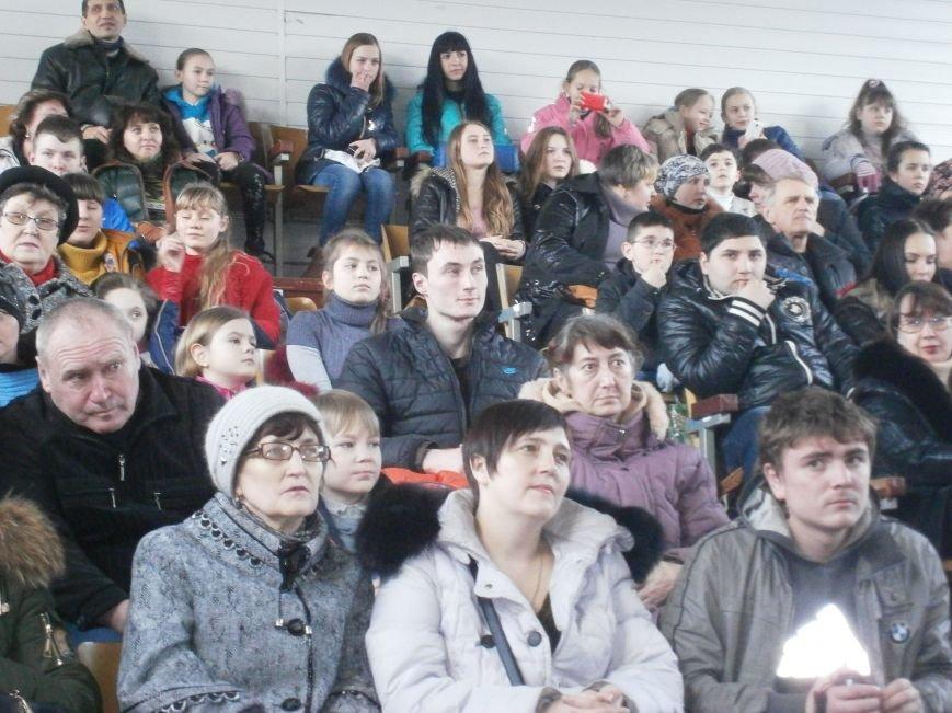 В Димитрове прошел концерт музыкальной школы в рамках благотворительной акции (ФОТО) (фото) - фото 22