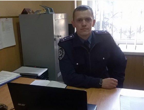 Сотрудник Красноармейского линейного отдела милиции организовал бесплатные занятия пауэрлифтингом для школьников (фото) - фото 1