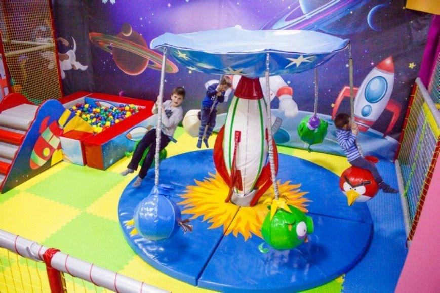 Ігрові кафе «ДАСТОША» та «МЕГАМОША» запрошують на святкування випуску дитячого садочку та молодшої школи (фото) - фото 1