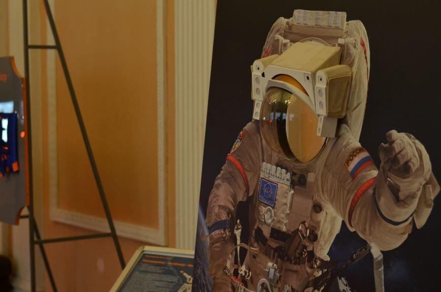 Симферопольцы могут почувствовать себя космонавтами на уникальной выставке (ФОТО), фото-3