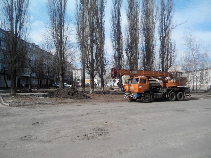 В Сумах возобновилась реконструкция сквера К. Зеленко (фото) - фото 1