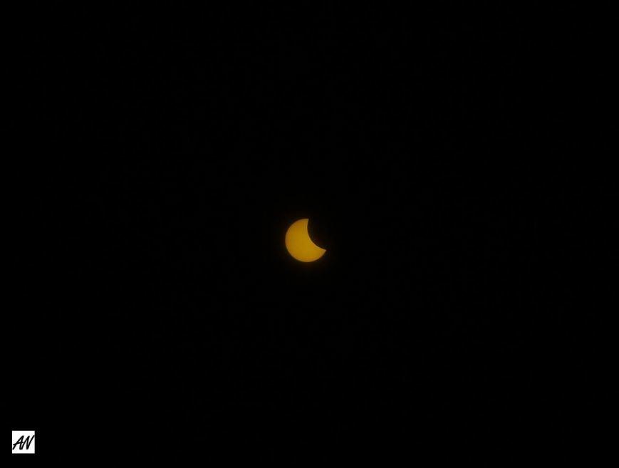 В Кривом Роге тучи разошлись и жители города увидели солнечное затмение (ФОТО) (фото) - фото 2