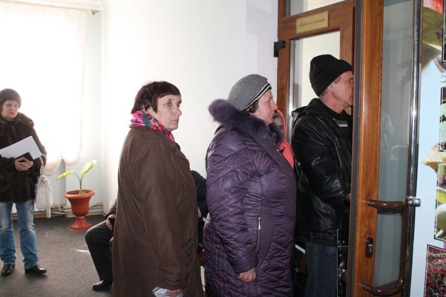 В Артемовском районе оказали помощь 48 семьям, чье жилье пострадало в результате боевых действий, фото-3
