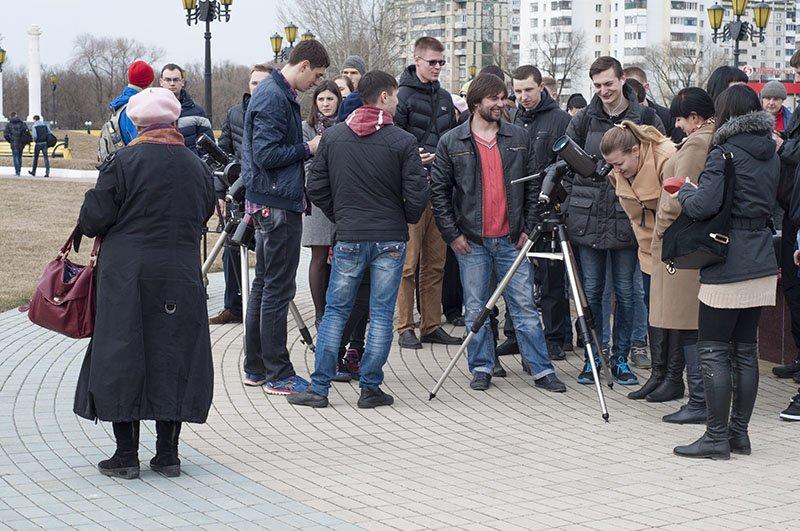 Краденое солнце. Сегодня жители белгорода наблюдали солнечное затмение (фото) - фото 1