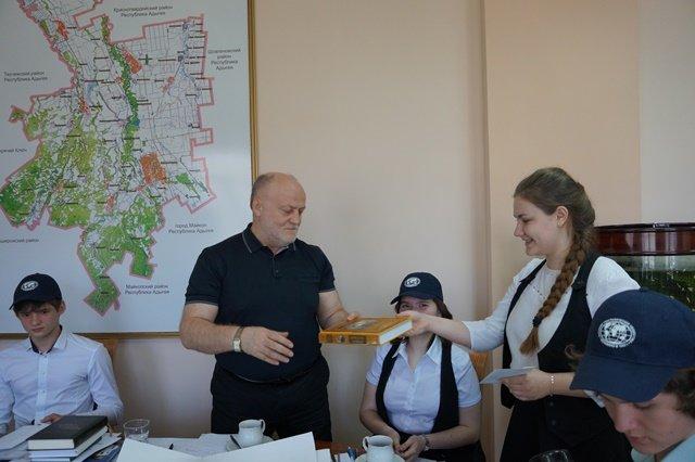 Глава района встретился с юными географами (фото) - фото 1