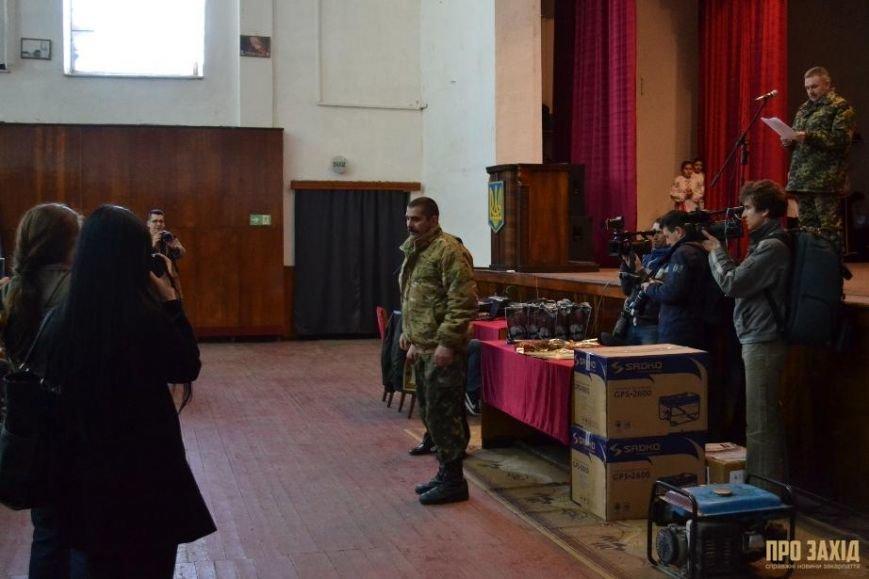 Героям слава! В Ужгороді відбулися урочистості на честь закарпатських військових (Фоторепортаж) (фото) - фото 8