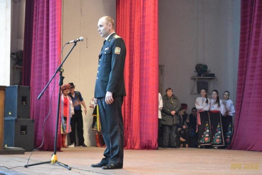 Героям слава! В Ужгороді відбулися урочистості на честь закарпатських військових (Фоторепортаж) (фото) - фото 1
