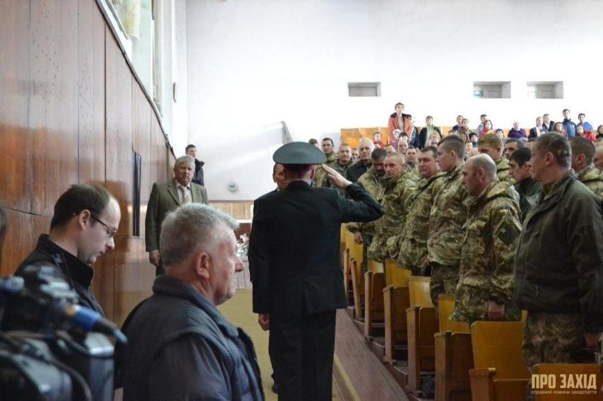 Героям слава! В Ужгороді відбулися урочистості на честь закарпатських військових (Фоторепортаж) (фото) - фото 2
