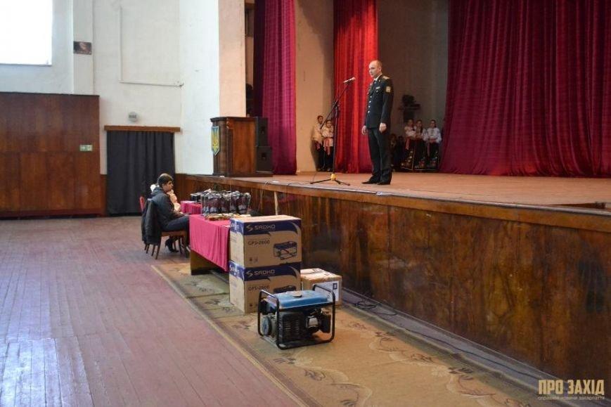 Героям слава! В Ужгороді відбулися урочистості на честь закарпатських військових (Фоторепортаж) (фото) - фото 3