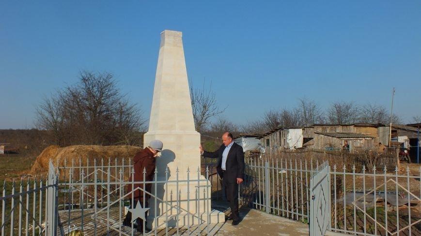 В районе реставрируют обелиски и памятники ВОВ (фото) - фото 1