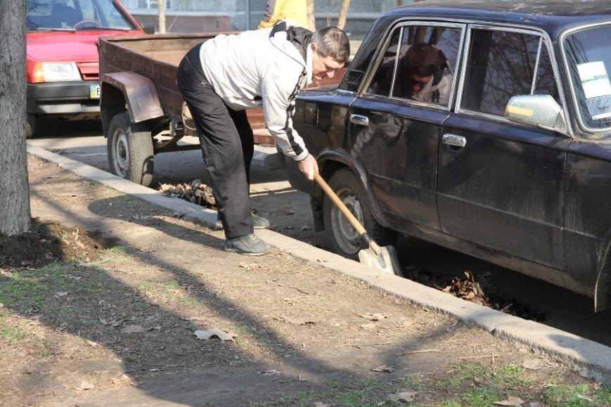 30 тысяч николаевцев приняли участие в мегасубботнике (ФОТО) (фото) - фото 9