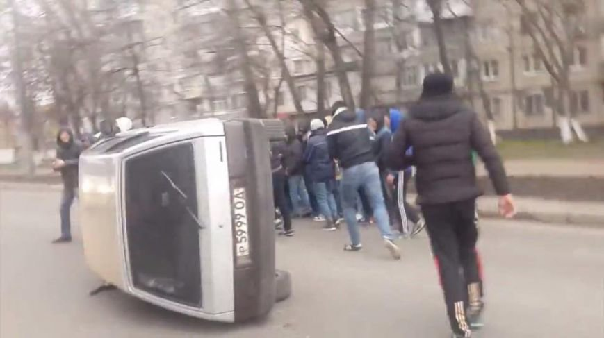 В Одессе «титушки» инсценировали акцию протеста для российских СМИ (ФОТО, ВИДЕО) (фото) - фото 1