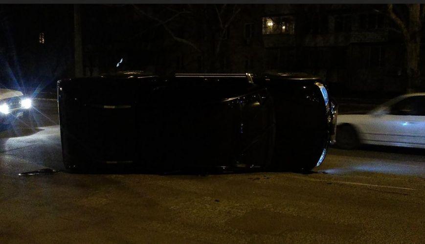 В Одессе в результате аварии перевернулся внедорожник (ФОТО) (фото) - фото 1
