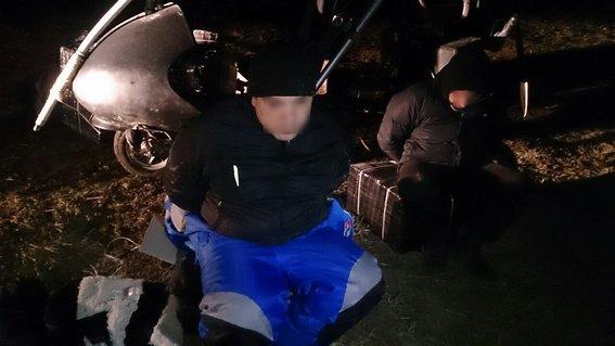 На кордоні затримали контрабандистів, які на мотодельтаплані переправляли через кордон сигарети (ФОТО) (фото) - фото 2