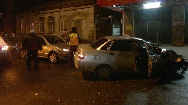 В Кировограде автомобиль врезался в электроопору. ФОТО (фото) - фото 1