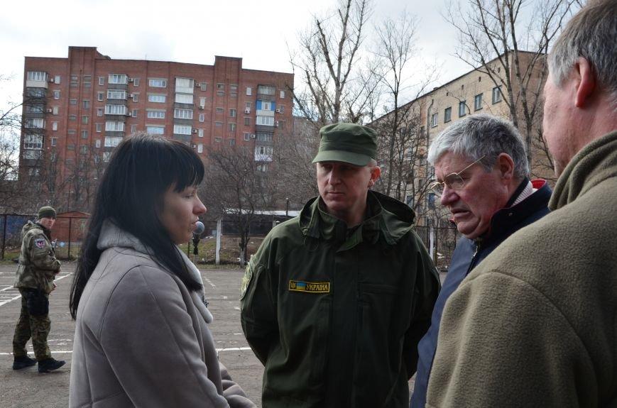В Мариуполе вдове погибшего главы милиции из Дебальцево пообещали квартиру в Киеве (ФОТО), фото-4