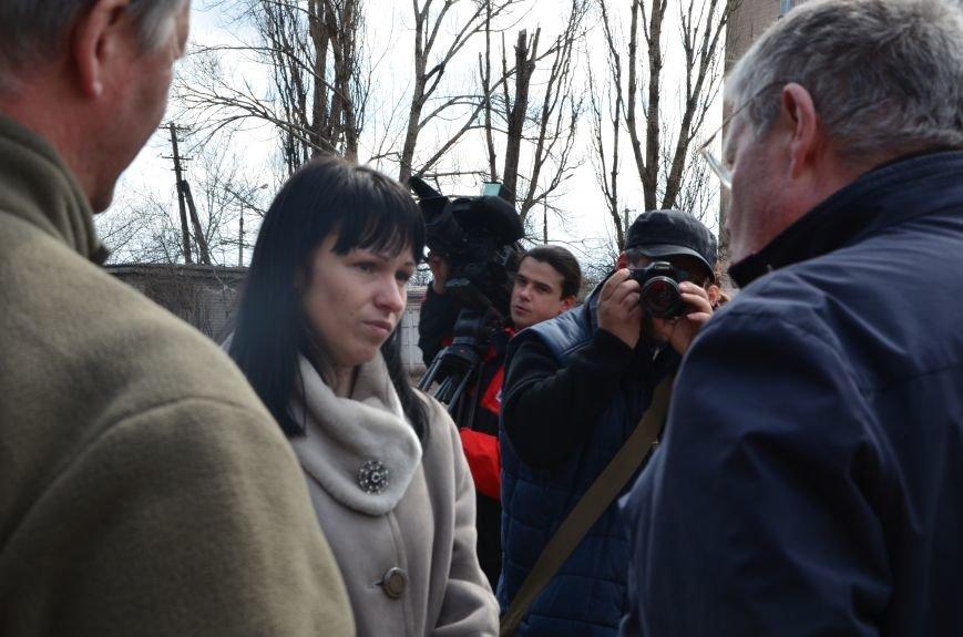 В Мариуполе вдове погибшего главы милиции из Дебальцево пообещали квартиру в Киеве (ФОТО), фото-2