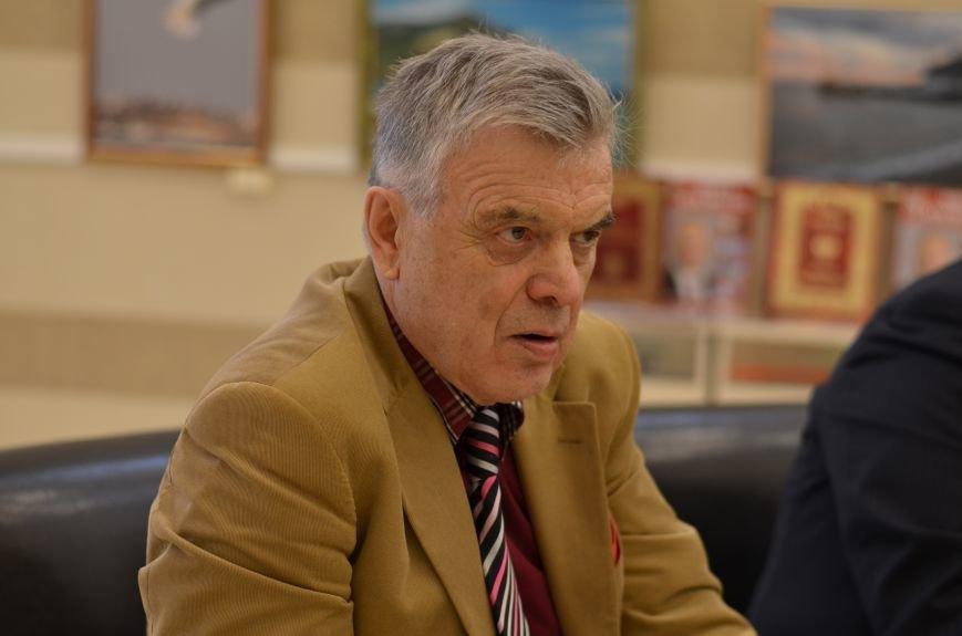 Российский академик купил для крымских библиотек 17 тысяч книг (ФОТО), фото-6
