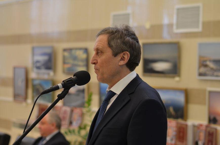 Российский академик купил для крымских библиотек 17 тысяч книг (ФОТО), фото-8