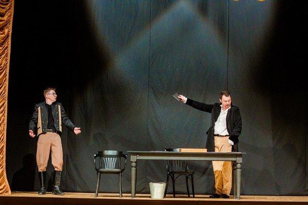 В Драмтеатре премьера «На всякого мудреца довольно простоты» завоевала сердца гродненцев (фото) - фото 4