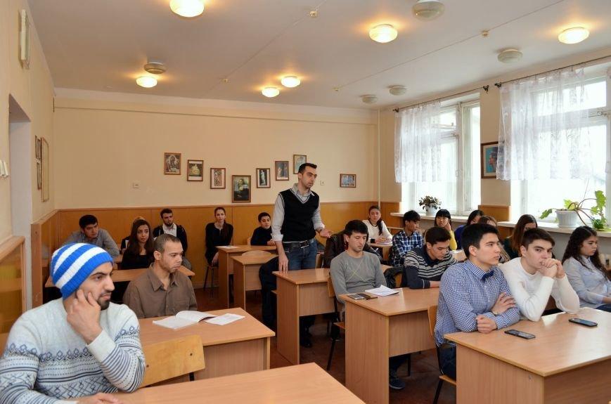 В Симферополе иностранные студенты показали знание русского языка. Лучшие поедут на Всероссийскую олимпиаду (ФОТО), фото-1