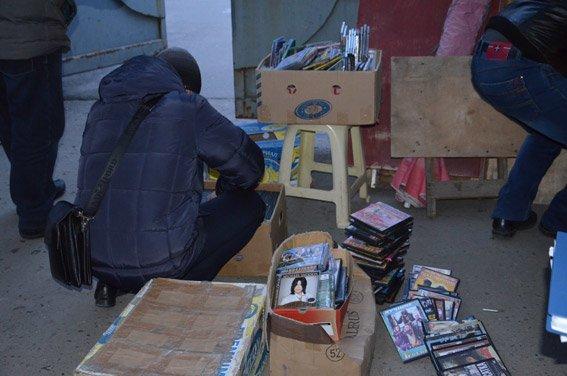 В Николаеве накрыли «пиратскую» контору (ФОТО+ВИДЕО) (фото) - фото 2