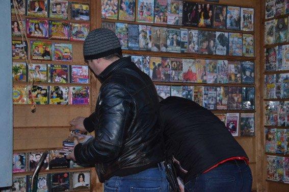В Николаеве накрыли «пиратскую» контору (ФОТО+ВИДЕО) (фото) - фото 1