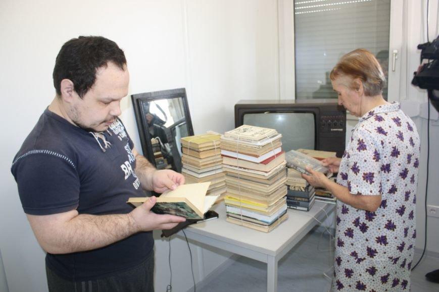 Беженцев в запорожском транзитном городке обеспечили Wi-Fi и психологической поддержкой (ФОТО) (фото) - фото 2