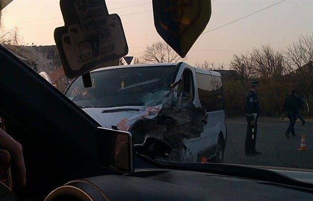 В Ужгороді мікроавтобус не пропустив пожежну, яка мчала на виклик (ФОТО, ВІДЕО), фото-3
