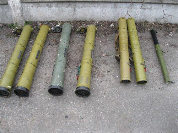 На Харьковщине остановили автомобиль забитый деталями гранатометов (ФОТО) (фото) - фото 1