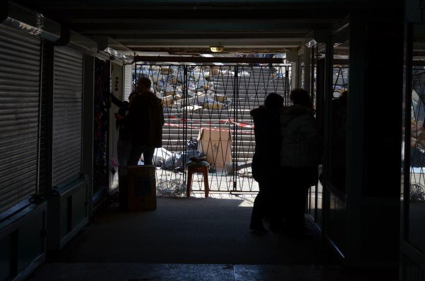 Руины на входе в Центральный рынок Симферополя уберут за счет владельца снесенного здания (ФОТО), фото-4