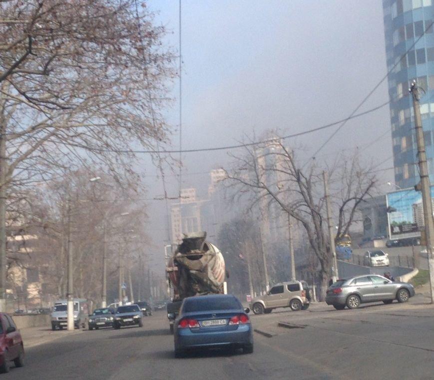 В одесской Аркадии горела гостиница: над городом поднялись клубы дыма (ФОТО) (фото) - фото 1