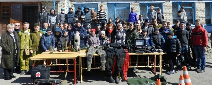 Спасатели провели широкомасштабный День гражданской защиты в сельской школе Белозерского района (фото) (фото) - фото 5
