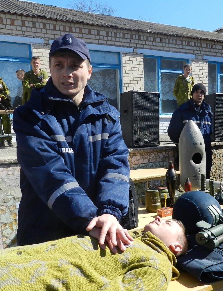 Спасатели провели широкомасштабный День гражданской защиты в сельской школе Белозерского района (фото) (фото) - фото 3