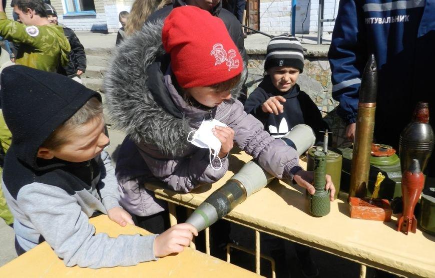 Спасатели провели широкомасштабный День гражданской защиты в сельской школе Белозерского района (фото) (фото) - фото 1