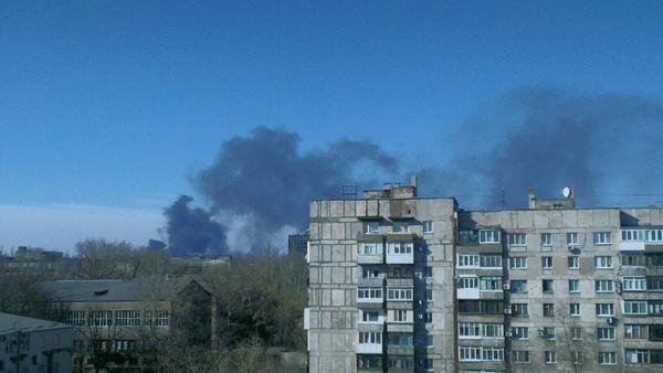 В Донецке снова что-то взрывалось и горит (ФОТО) (фото) - фото 1