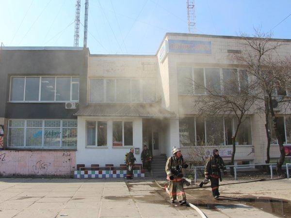 В Киеве горел фитнес-центр (ФОТО) (фото) - фото 1