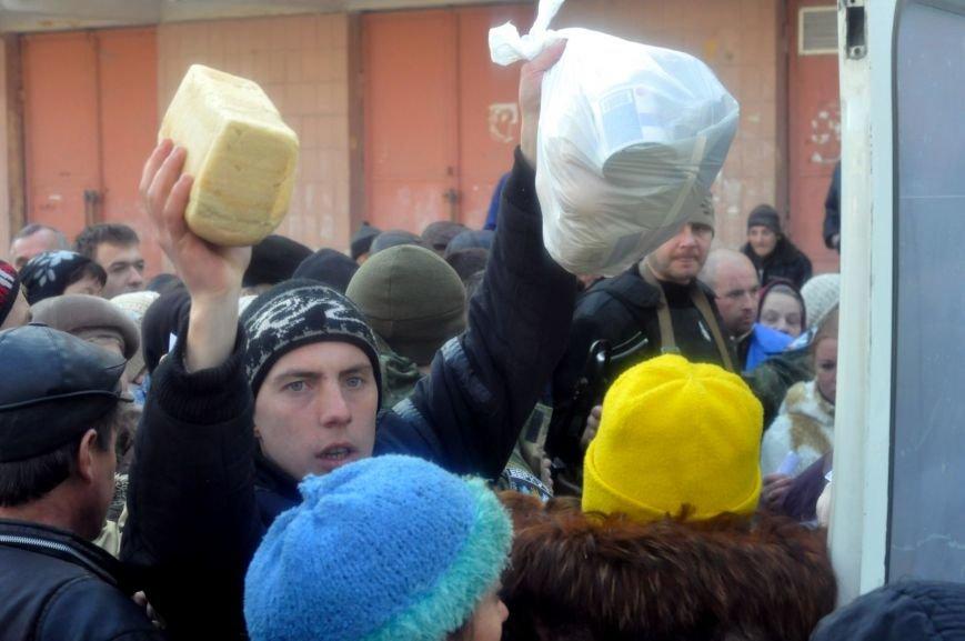 Капелланы церкви «Новое поколение» привезли в Авдеевку гуманитарную помощь из Латвии (фото) (фото) - фото 1