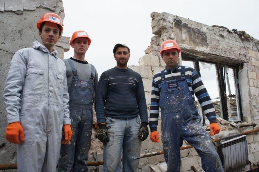 Переселенці зі Сходу України відновлять квартиру львів'янки, яка згоріла під час пожежі (ФОТО) (фото) - фото 2