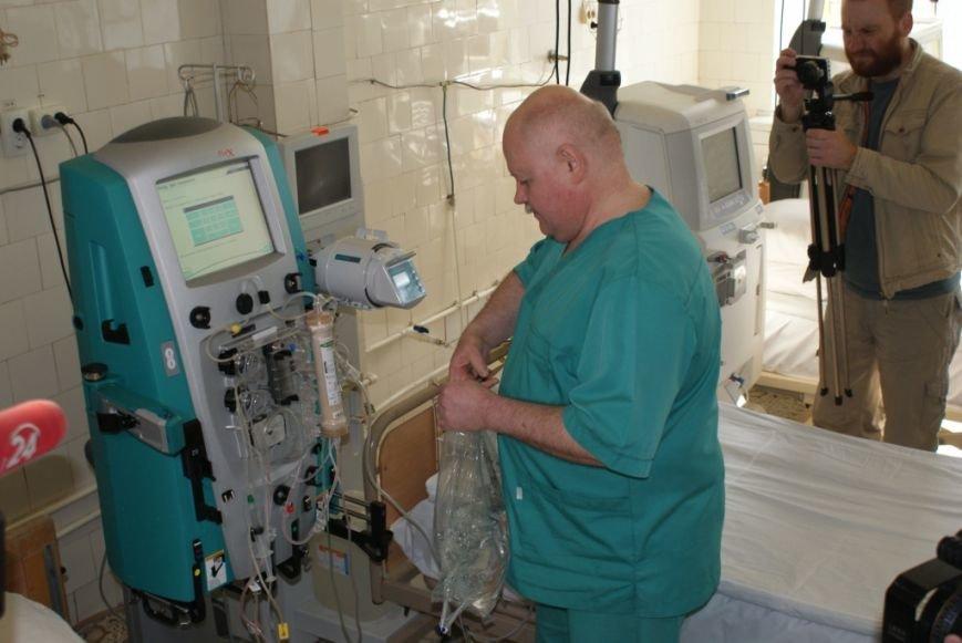 У львівському військовому шпиталі запрацював ультрасучасний апарат, який врятує життя бійців (ФОТОРЕПОРТАЖ) (фото) - фото 3