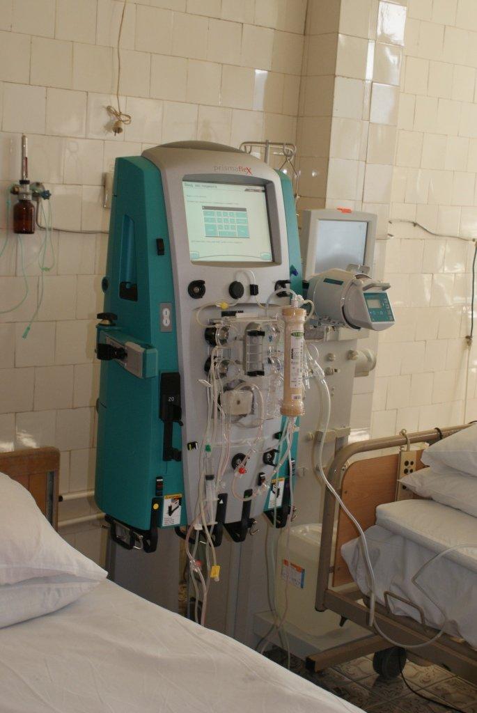 У львівському військовому шпиталі запрацював ультрасучасний апарат, який врятує життя бійців (ФОТОРЕПОРТАЖ) (фото) - фото 1