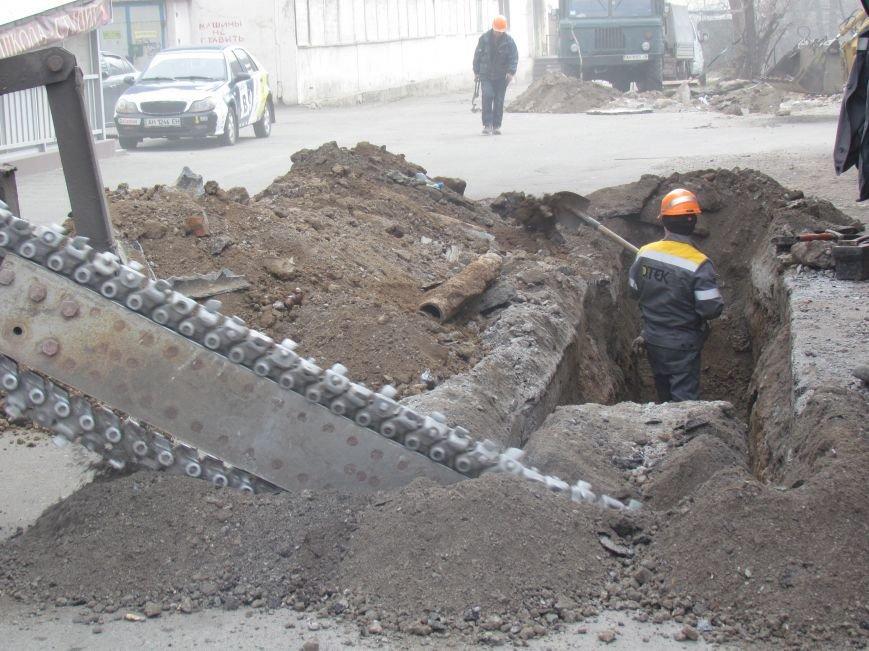 Энергетики ликвидировали последствия аварии, оставившей без отопления 31 дом в Мариуполе (ФОТО), фото-2