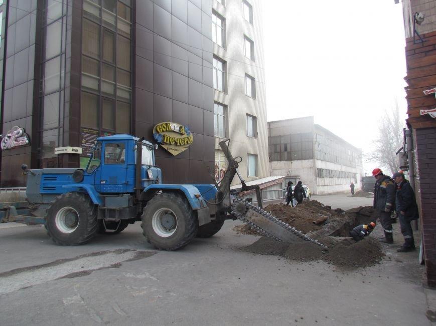 Энергетики ликвидировали последствия аварии, оставившей без отопления 31 дом в Мариуполе (ФОТО), фото-1