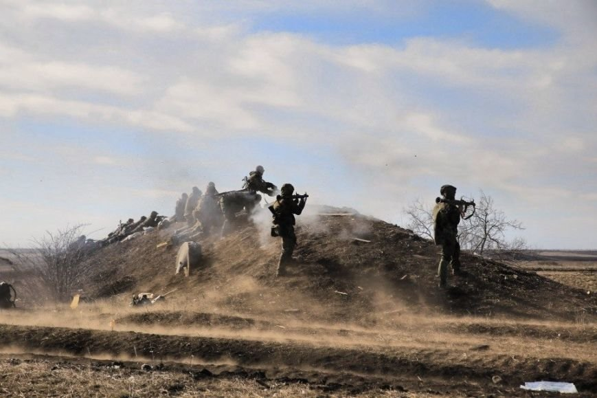 Батальон «Азов» уничтожил российский танк и штаб боевиков «ДНР», фото-4